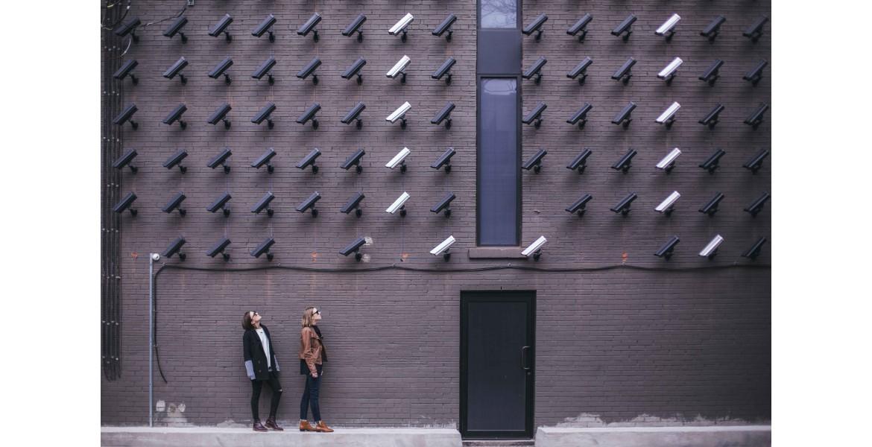 https://www.beveiligingscameras.nl/image/cache/catalog/Blog%20foto's/matthew-henry-fPxOowbR6ls-unsplash-1170x600.jpg